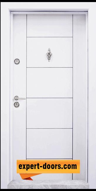 Блиндирана входна врата модел T 102 w 2